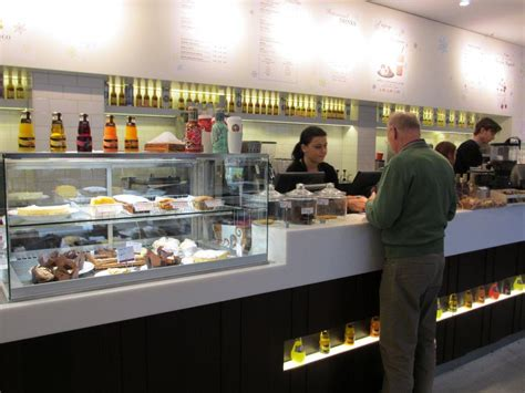 Who Was The To Serve In The Cabinet by Balzac Caff 233 Taunus Center In Taunus Zentrum