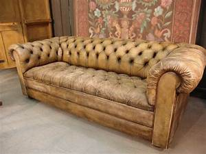 un canape chesterfield le chic et le confort a la maison With tapis design avec canapé chesterfield tissu