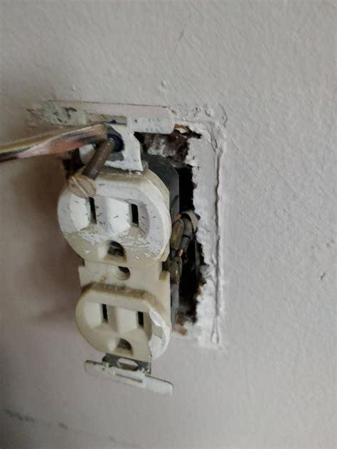 Receptacle Can Install New Leviton Outlet Without