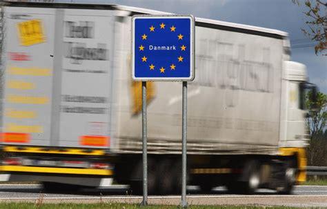 si鑒e social traduction anglais l ue demande à la russie de réexaminer les contrôles de camions euractiv fr