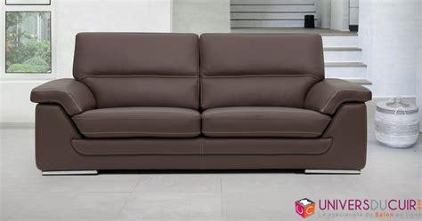 trou canapé cuir spécialiste du canapé en cuir canapé d 39 angle canapé