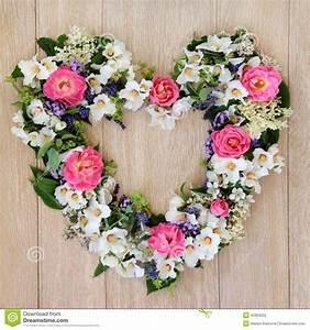 Herz Mit Blumen : herz blumen kranz stockfoto bild 45994202 ~ Frokenaadalensverden.com Haus und Dekorationen
