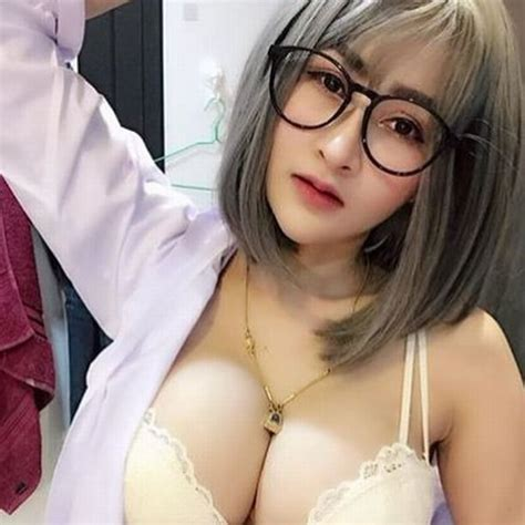Pembantu Seksi Dan Aduhai Cerita Dewasa Cerita Sex Cloudy Girl Pics