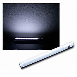 Led Beleuchtung Mit Batterie : led lichtleiste mit pir bewegungsmelder wei ~ Whattoseeinmadrid.com Haus und Dekorationen