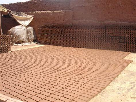 Fabrication Des Tuiles by Fabrication Des Tuiles L Artisanat Au Maroc