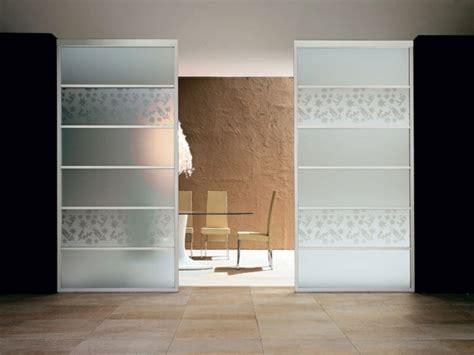 porte coulissante en verre pour cuisine cloison de séparation décorative pour sublimer l espace