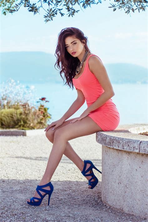 Summer Is A Great Season For Sexy Girls In Tight Dresses