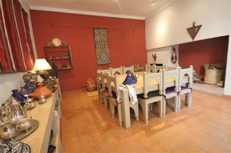 salle a manger marocaine riad tafilag riad de luxe 224 marrakech maroc r 233 servez