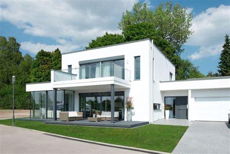 Moderne Häuser Würfel die moderne ist ein um einen glasanbau erweiterter w 252 rfel