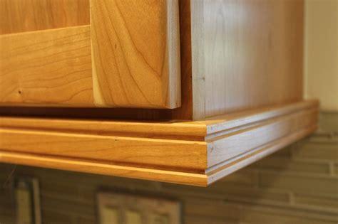 Under Cabinet Molding Kitchen Cabinets
