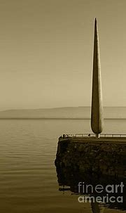 Fid Monument Moville Donegal Tint by Eddie Barron ...