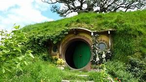 Hobbiton Movie Set - Lord of the Rings Hobbit House - YouTube