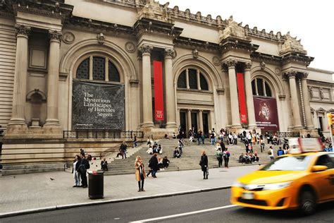 metropolitan museum of considers charging tourists admission