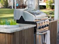 building outdoor kitchen How to Build a Grilling Island | how-tos | DIY