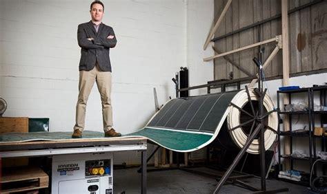 Электростанция комбинированного типа — солнечные панели.
