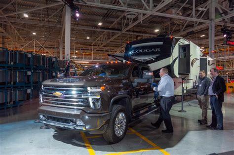 2020 Chevrolet Silverado 2500hd For Sale by 2020 Chevrolet Silverado Hd Debuts A Heavy Lugger Among