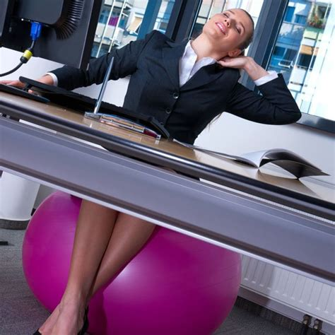 sport au bureau sport au bureau 10 exercices faire au bureau pour rester