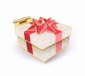 Box Surprise Femme : surprise gift box enamel pin compoco ~ Preciouscoupons.com Idées de Décoration