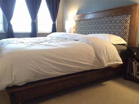How To Make A King Size Headboard by White King Size Platform Bed And Headboard Diy