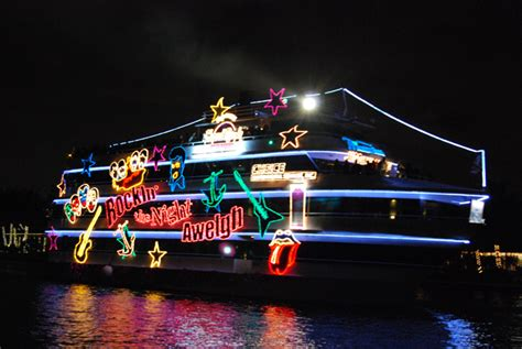 winterfest boat parade brings light to fort lauderdale