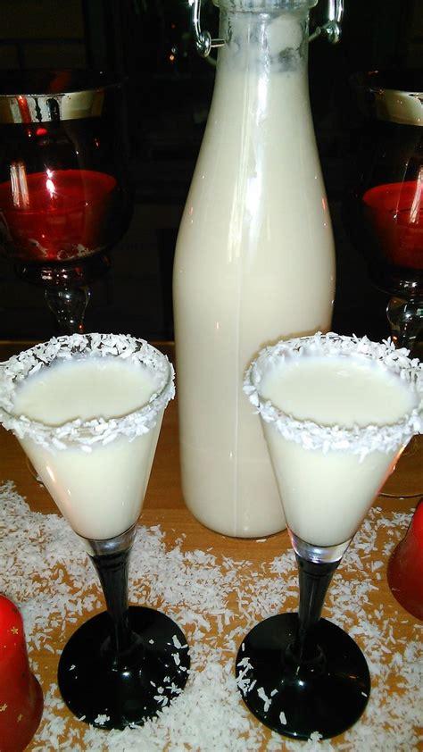 These malibu drinks are easy to make and are perfect for warmer weather. Malibu- domowy Likier Kokosowy | Drinks, Malibu drinks ...