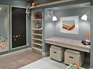 Schreibtisch Hocker Kinder : 25 bezaubernde kinderbereiche zum lernen ~ Lizthompson.info Haus und Dekorationen