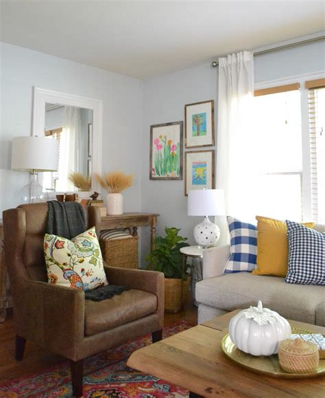 living room decorating ideas  fall balancing home