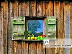 Herbst Dekoration Fenster : dekoration fenster herbst holz h tte prisma lizenzpflichtiges bild f1online 7636144 ~ Watch28wear.com Haus und Dekorationen