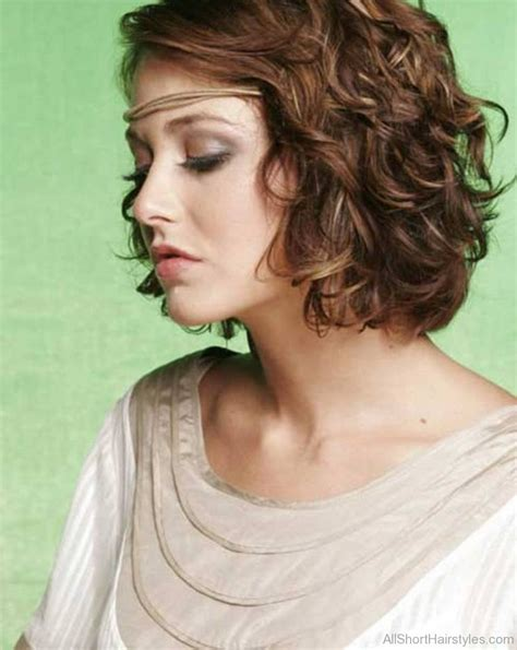 Curl Bob Hairstyle by 60 Brilliant Curly Bob Hairstyles