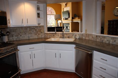Kitchen Countertops That Fit Existing by Remodelaholic Install Of Concrete Countertops