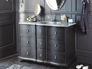 Meuble Chaussure Maison Du Monde : tendance un meuble ancien dans la salle de bains le journal de la maison ~ Teatrodelosmanantiales.com Idées de Décoration