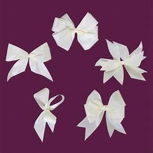 Geschenk Schleife Binden : schleifen binden geschenk anleitung schleifen binden pinterest schleifen binden schleifen ~ Orissabook.com Haus und Dekorationen