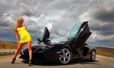 Lamborghini Chicks Gallery