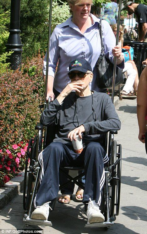 paul newman last photo ailing paul newman looks more frail than ever as he is