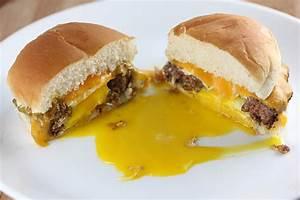 egg in a hole burger recipe