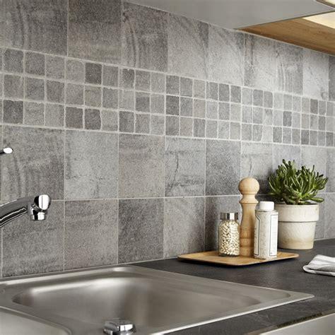 modele carrelage cuisine mural carrelage sol et mur gris vestige l 15 x l 15 cm leroy