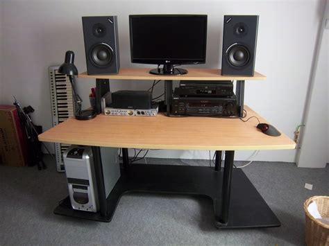 comparateur pc bureau photo no name meuble rack bureau studio divers