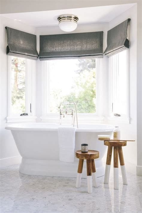 beautifully simple bathroom  serena lily dip