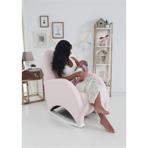 chaise bascule allaitement fauteuil a bascule chambre bebe chambre bebe avec berceau