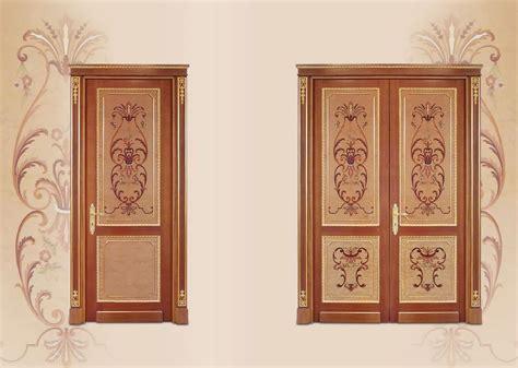 Porta In Legno Intarsiato, In Stile Classico Di Lusso