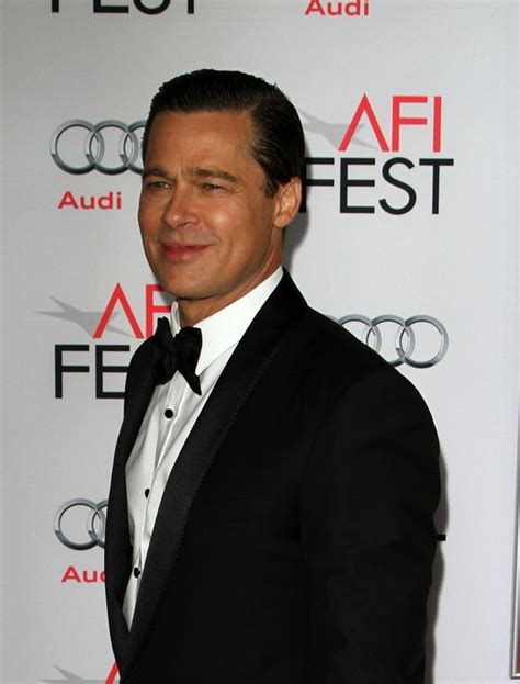 Hell S Kitchen Brad Pitt by Modern Family Ewing Reveals Desperation To Look