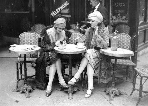 fascinating vintage photographs  show paris life