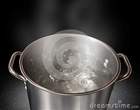 kaffeemaschine kochendes wasser kochendes wasser lizenzfreies stockbild bild 28245006