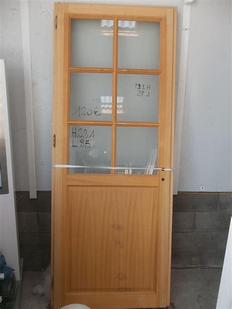 porte cuisine pas cher porte bois vitrée intérieure urbantrott com