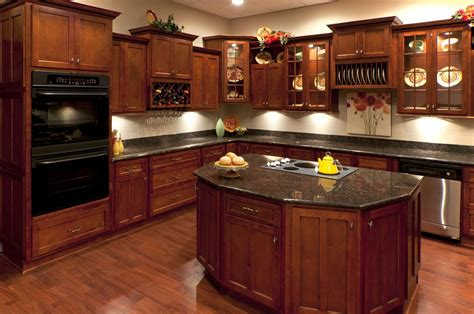 photos of kitchen cabinets cherry kitchen cabinets buying guide