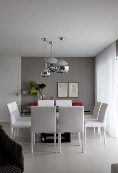 foto pintura cinza na parede da sala de jantar de ana