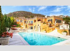 10 Mansions You Can Afford For An Epic Friends Vacation