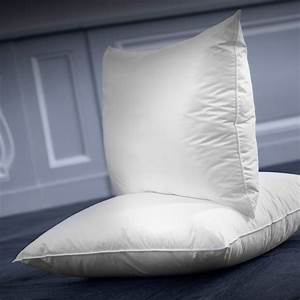 Synthetic soft comfort pillow arpege dumas paris for Comfort inn pillows to purchase