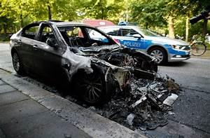 nouveaux heurts en marge du g20 111 blesses selon la police With decote d une voiture