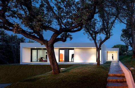 modern single story cubical house  zooco studio
